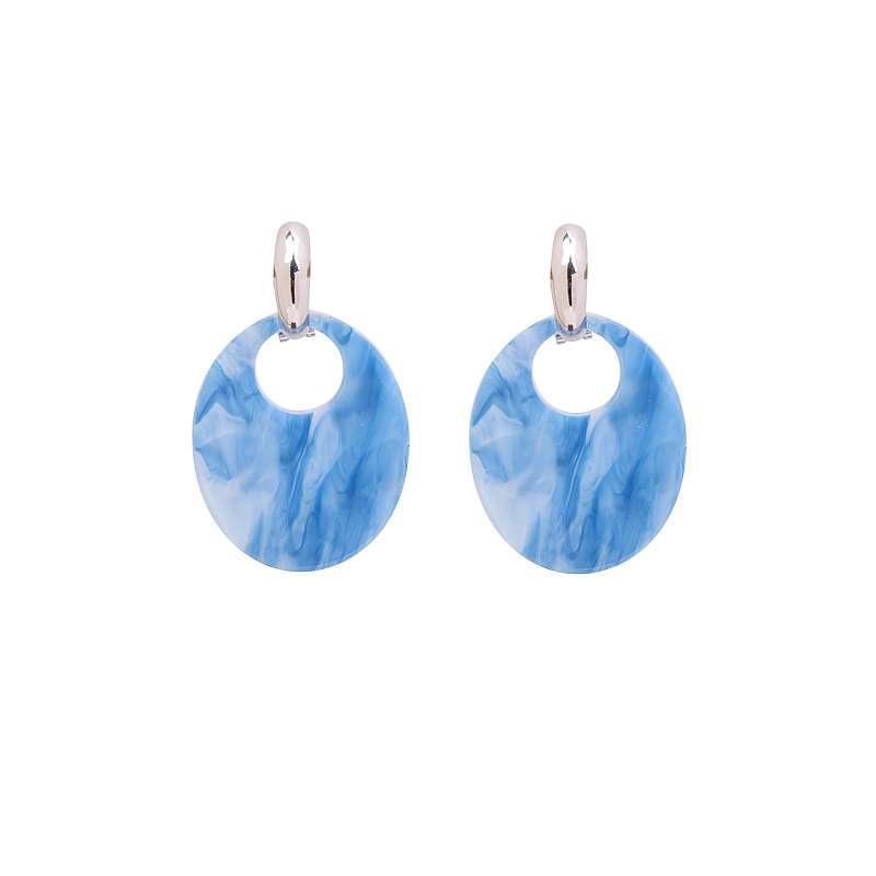 Blauwe ronde oorhangers marmerlook