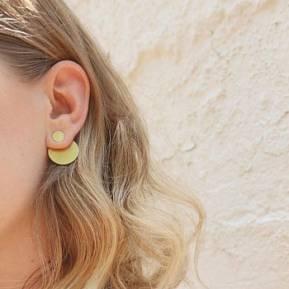 Fijne goudkleurige oorbellen